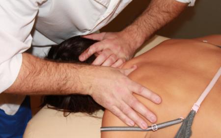 Помощь вертебролога при боли в шее