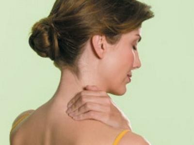 Болит плечо и шея