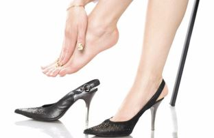 Симптоматическая картина Артроза пальцев ног напрямую зависит от стадии течения болезни